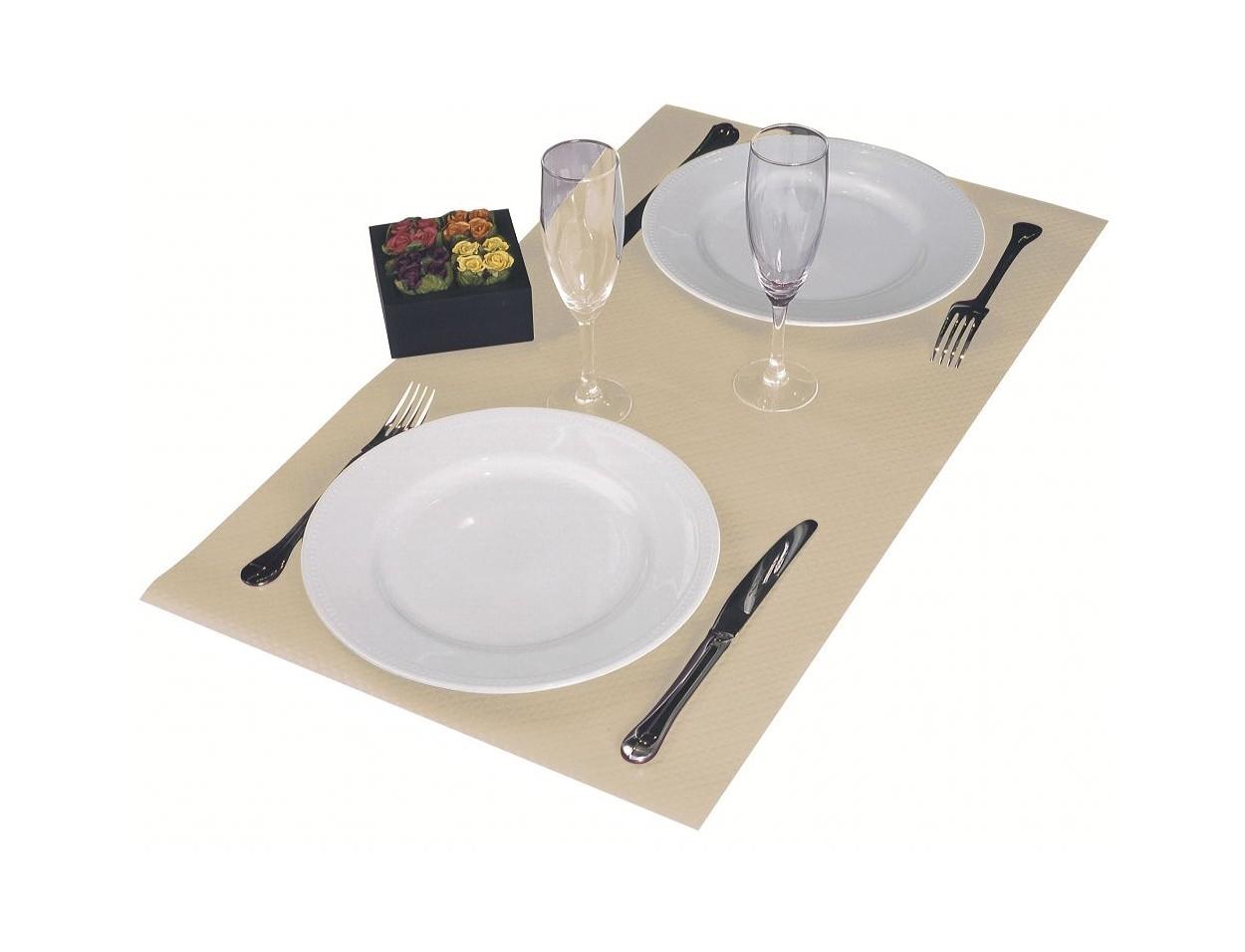 Nappes en papier pour restaurant et v nement az fournitures for Fourniture pour restaurant